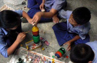 Attività didattiche nella scuola di Manasarovar