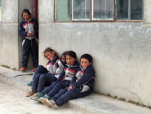 Bambini di Genesai