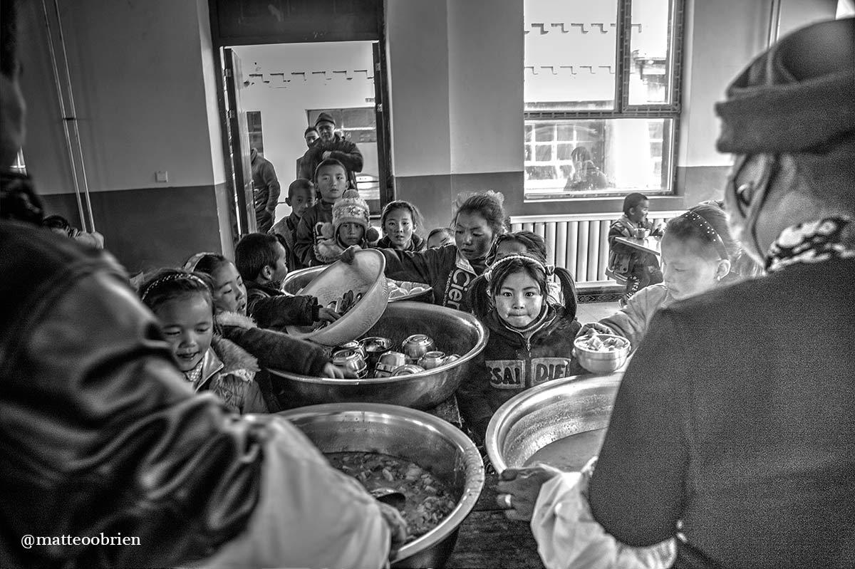 Nella mensa della scuola di Tangann