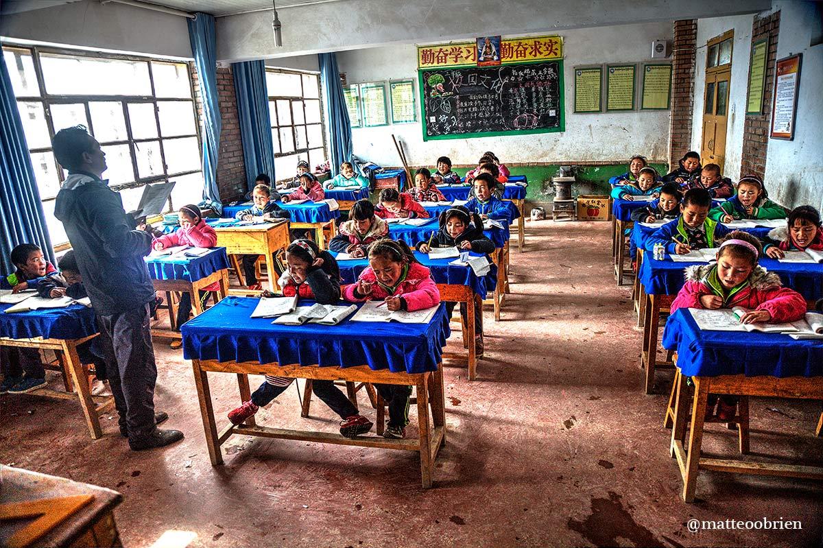 Scuola di Tangann, in classe